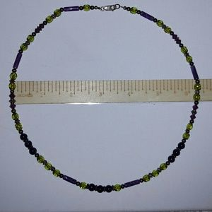 Jewelry - Vintage glass beaded necklace